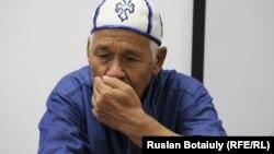 Еркебай Колдашев, жилец общежития, которому грозит выселение. Астана, 5 сентября 2016 года.