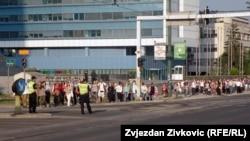 Brojni hodočasnici na putu ka stadionu Asim Ferhatović - Hase