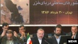 به گفته وزير امورخارجه ايران، اجلاس سران قرار است ظرف ماه های آينده در تهران برگزار شود.