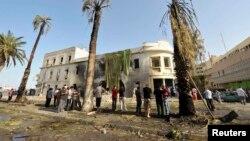 Pamje pas një eksplodimi të mëparshëm në Bengazi të Libisë