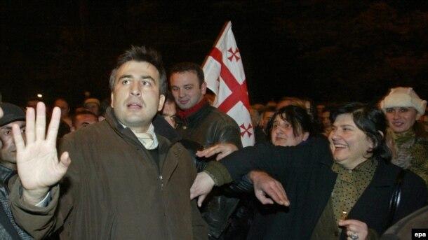 M.Saakashvili «Məxməri inqilab» zamanı - 2003