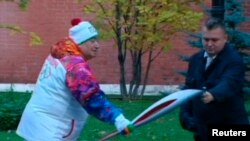 Оьрсийчоь - Гоьваьллачу спортхочун Карапетян Шаваршан карахь дIаяйна Олимпан ЦIе юхалатош ю Кремлан пенашна гергахь, Москох, 6ГIа2013