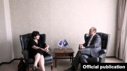 Pamje nga takimi Hoxhaj - Gallucci në Prishtinë