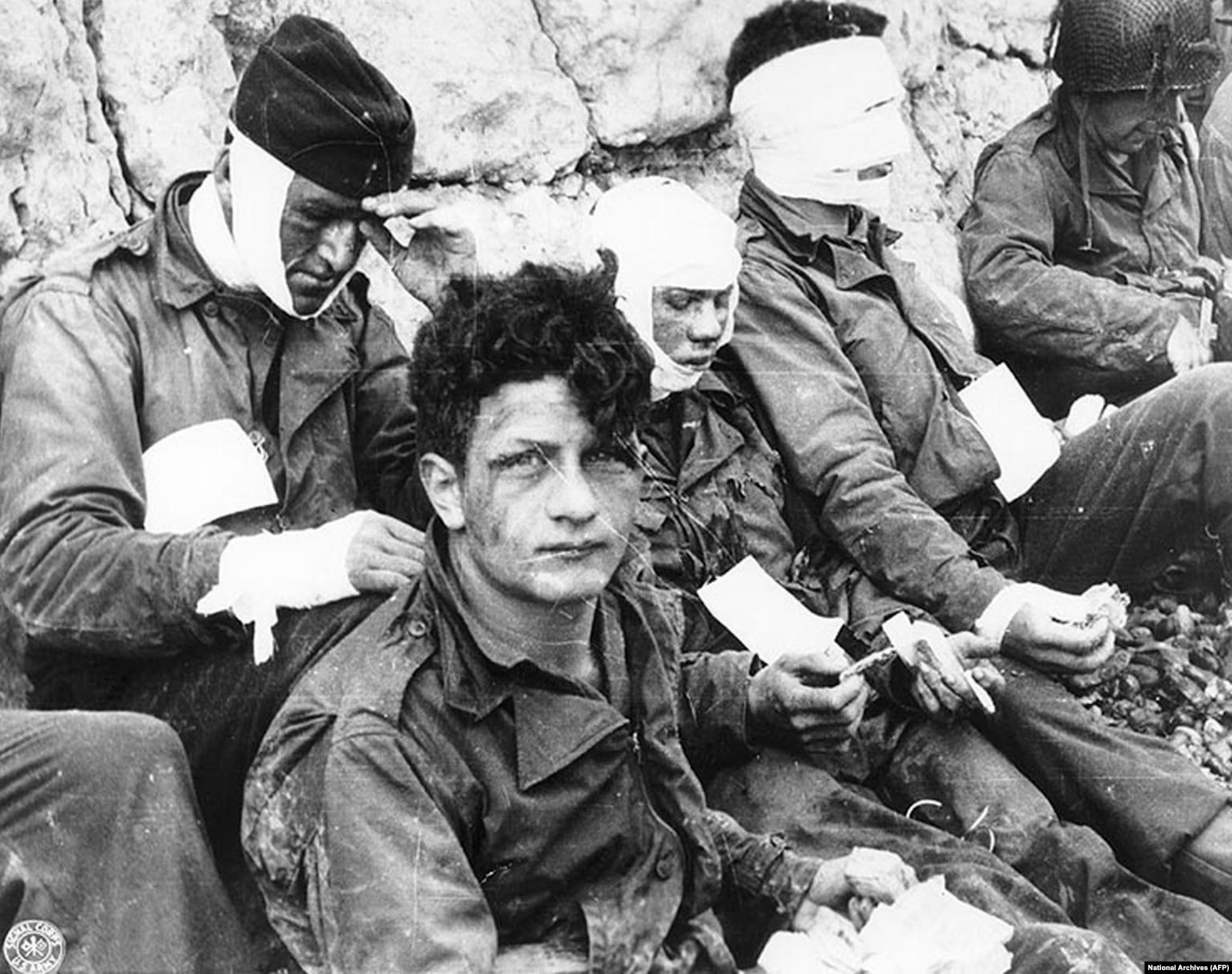 """Американские солдаты, раненные на """"Омахе"""""""