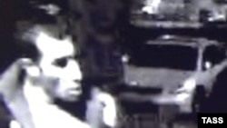 Күдіктінің көшедегі камераға түсіп қалған бейнесі. Мәскеу, 13 қазан 2013 жыл.