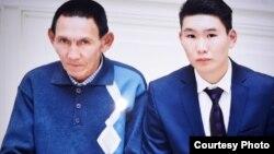 Галы Бактыбаев с сыном.
