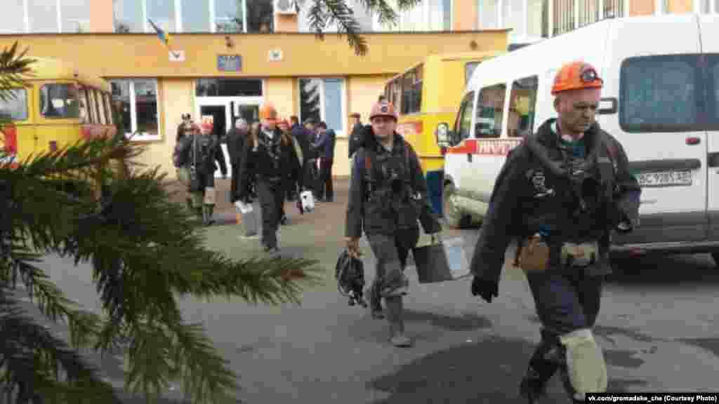Для ликвидации обвала в шахте «Степной» работало 63 спасателя и 8 единиц техники