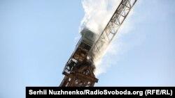 Фоторепортаж: як на будівництві в Києві активісти захопили кран