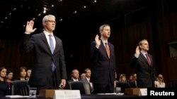از راست: نمایندگان و وکیلان گوگل، توئیتر و فیسبوک در جلسه سنا
