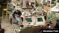 Зборка БТР-4 для Іраку на заводі ім. Малишева у Харкові