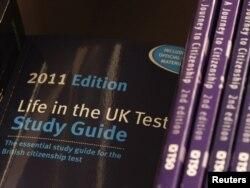 Élet az Egyesült Királyságban – ilyen vizsgát kell letenniük azoknak az európaiaknak, akik nemcsak letelepedési státuszt, hanem brit állampolgárságot is akarnak