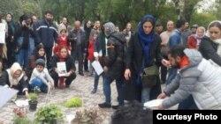 عکسی که در شبکههای اجتماعی از تجمع روز سیزدهبهدر در پارک لاله تهران منتشر شده است.
