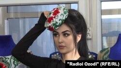 Модел Парвина Саидова