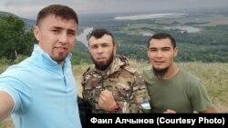 Фаил Алчынов (с) Куштауны яклаучы активистлар белән