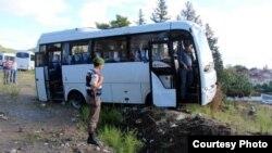 Микроавтобус, в котором ехали кыргызстанцы.