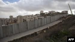 Իսրայել/Պաղեստին -- Շինհրապարակ Երուսաղեմի Շուաֆաթ փախստականների ճամբարի հարեւանությամբ, 5-ը դեկտեմբերի, 2012թ․