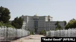 Национальная библиотека в Душанбе.
