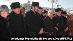 Вшанування пам'яті загиблого льотчика-героя Амет-хана Султана, Сімферополь, 1 лютого 2012 року