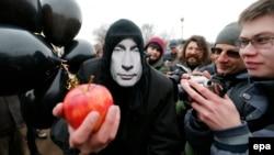Мартта Русиянең Кырымга керүенә Петербурда протест чарасы