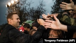 Can Aleksei Navalny get his own, hand-picked candidates elected in Russia?
