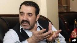 د افغان ولسمشر حامد کرزي ورور احمد ولي کرزی چې خپل یوه ساتونکي د سږني ۲۰۱۱م کال په ۱۲ م جولايي د سېشنبې ورځ ووژلو.