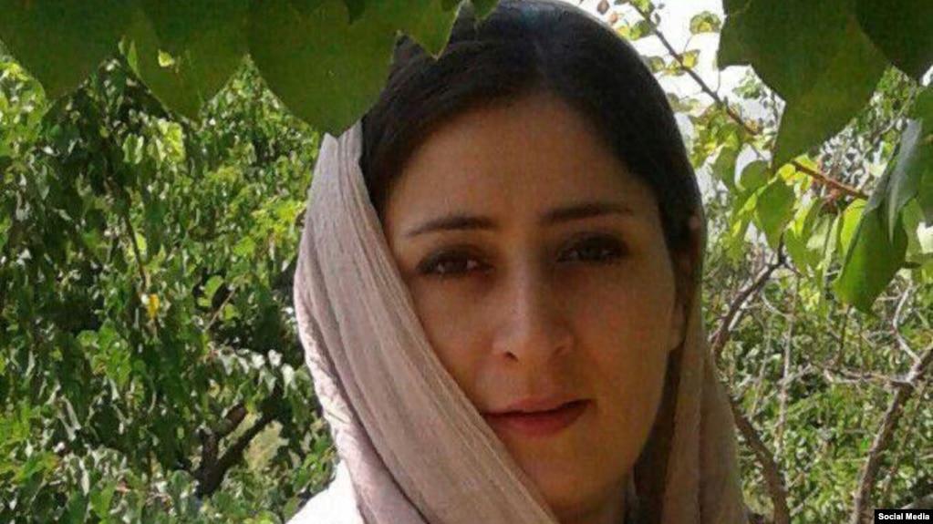 عاطفه رنگریز حدود یک ماه پیش به دلیل حمله آسمی از زندان قرچک ورامین به بیمارستان منتقل شد