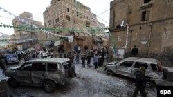 Pamje pas një sulmi të mëparshëm në Jemen