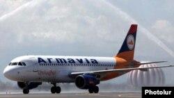 Намунаи Airbus A320, ки барои ширкати Армавияи Арманистон хидмат мекунад
