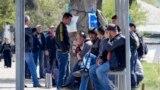 """""""Мардикорбозор""""-и Душанбе. Мардони бекор дар ин ҷо кор меҷӯянд"""