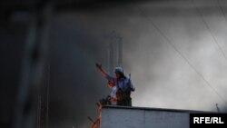 نیروهای بسیج در مقابل معترضان تهران