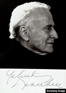 Yehudi Menuhin (fotografia cu autograf pe care mi-a trimis-o împreună cu memoriile lui).