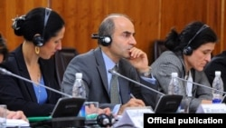 Эдвард Джемайел. Фото пресс-службы правительства Кыргызстана.