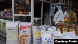 Большинство узбекистанцев осталось в затруднительном положении из-за роста цен на муку и масло.