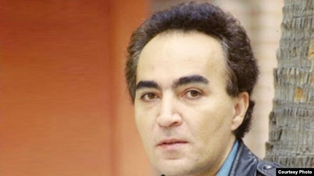 شهیار قنبری، شاعر، ترانه سرا و آهنگساز ایران بیش از چهار دهه است که در صحنه هنر ایران فعال است.