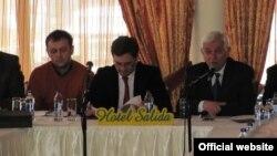 Градоначалникот на Прилеп Марјан Ристески и претседателот на Регионалната стопанска комора во Прилеп Симон Наумоски.