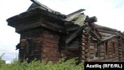 Усть-Ишим районы Тюрметаки авылының манарасы киселгән, бүгенге көндә җимерек хәлдә булган мәчете
