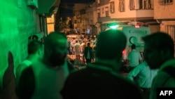 Газиантеп қаласында жарылыс болған маңда тұрған адамдар. Түркия, 20 тамыз 2016 жыл.