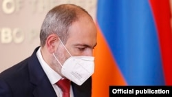 Armenia -- Prime Minister Nikol Pashinian at a news conference in Yerevan, July 1, 2020.