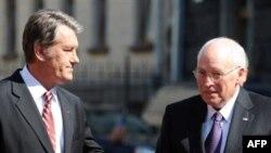 Ukrainian President Viktor Yushchenko (left) welcomes Vice President Dick Cheney to Kyiv.