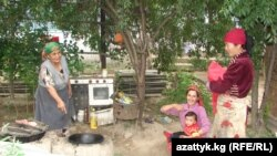 Этнические арабы живут в селе Сары-Сыя, декабрь 2011 г.