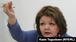 Адвокат Айман Умарова на суде в Алматы по делу журналиста оппозиционного сайта Nakanune.kz Юлии Козловой. 26 февраля 2016 года.