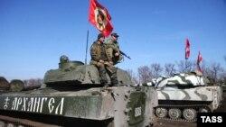 Проросійські бойовики проводять «навчання» поблизу Тореза Донецької області, 10 березня 2015 року