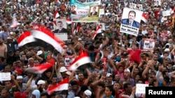 Акция сторонников смещенного президента Египта Мохаммеда Мурси (восточная часть Каира, 11 августа 2013 года)