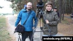 На журналістаў Алеся Леўчука і Мілану Харытонаву ўжо зноў склалі пратаколы і будуць судзіць.