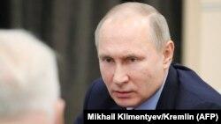 Владимир Путин и Александр Бастрыкин на совещании (архив)