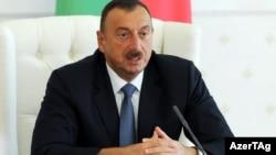 Озарбайжон Президенти Алҳом Алиев.