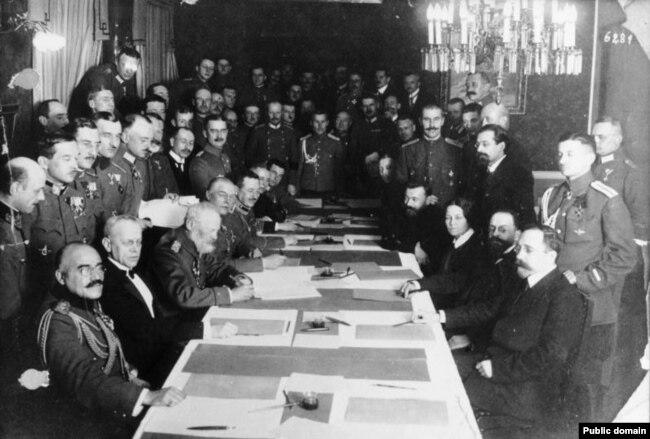 Падпісаньне міру між Расеяй і Нямеччынай, 1918