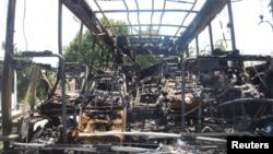 Останки взорванного автобуса. Бургас, 19 июля 2012 года.