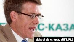 Хью Уильямсон, исполнительный директор организации HRW. Алматы, 10 сентября 2012 года.