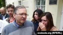Андрэй Галавач на волі пасьля апраўдальнага выраку суду. 19ліпеня 2019 года.